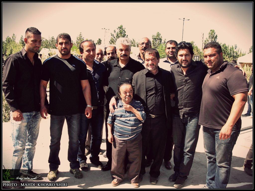 http://hbcamp.persiangig.com/image/marasem-chehelom-mahmodbehdad/hamed%20behdad%20camp03.jpg